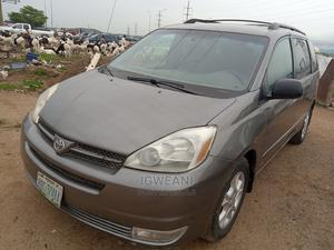 Toyota Sienna 2005 LE AWD Silver | Cars for sale in Abuja (FCT) State, Lugbe District
