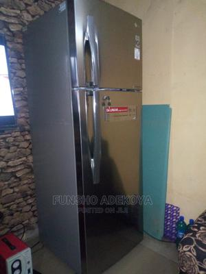 2 Months Used LG Inverter Linear Compressor Fridge/Freezer   Kitchen Appliances for sale in Lagos State, Yaba