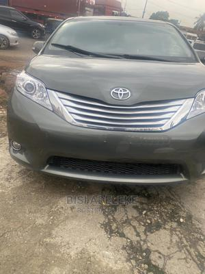 Toyota Sienna 2013 Limited AWD 7-Passenger Green | Cars for sale in Lagos State, Magodo