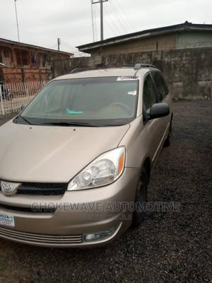 Toyota Sienna 2005 Gold   Cars for sale in Delta State, Warri