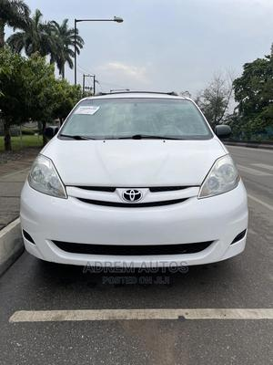 Toyota Sienna 2008 LE White   Cars for sale in Lagos State, Ogba