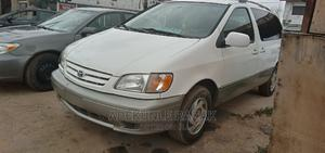 Toyota Sienna 2001 LE White   Cars for sale in Oyo State, Ibadan