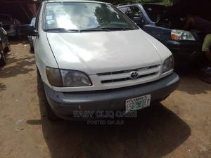 Toyota Sienna 1999 LE 3dr White | Cars for sale in Lagos State, Amuwo-Odofin