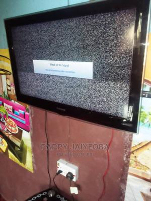 Neat Used 6months 32inches Samsung LCD Plasma Flat Screen Tv | TV & DVD Equipment for sale in Osun State, Ife