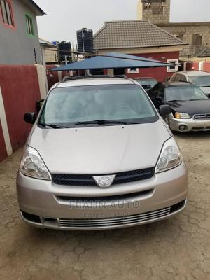 Toyota Sienna 2005 LE AWD Gold | Cars for sale in Lagos State, Ikotun/Igando