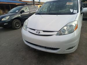 Toyota Sienna 2006 XLE AWD White | Cars for sale in Lagos State, Surulere