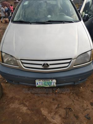Toyota Sienna 2002 XLE Gray   Cars for sale in Lagos State, Ejigbo