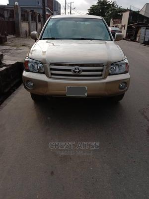 Toyota Highlander 2005 Gold | Cars for sale in Lagos State, Ikeja