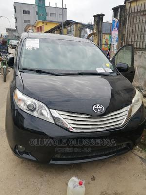 Toyota Sienna 2010 Limited 7 Passenger Black | Cars for sale in Lagos State, Shomolu