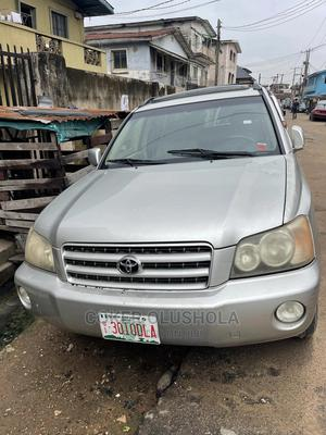 Toyota Highlander 2003 V6 AWD Silver | Cars for sale in Lagos State, Surulere