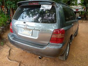 Toyota Highlander 2002 Limited V6 AWD Gray | Cars for sale in Abuja (FCT) State, Jabi