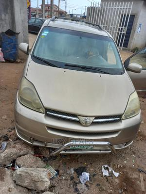 Toyota Sienna 2005 XLE Gold | Cars for sale in Lagos State, Isolo
