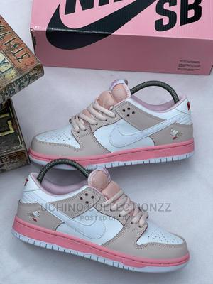 Nike Dunk Low Pink Pigeon   Shoes for sale in Lagos State, Lagos Island (Eko)