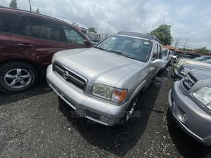 Nissan Pathfinder 2004 LE Platinum 4x4 Silver | Cars for sale in Lagos State, Apapa