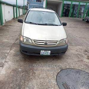 Toyota Sienna 2002 Gold   Cars for sale in Edo State, Benin City