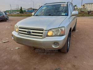 Toyota Highlander 2004 V6 AWD Silver | Cars for sale in Lagos State, Abule Egba