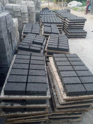 Machine Vibrated Strong Interlocking Stones for Sale | Building Materials for sale in Ogun State, Obafemi-Owode
