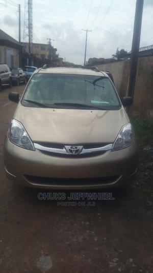 Toyota Sienna 2006 LE AWD Gold   Cars for sale in Lagos State, Isolo