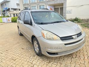 Toyota Sienna 2005 LE AWD Silver | Cars for sale in Lagos State, Isolo