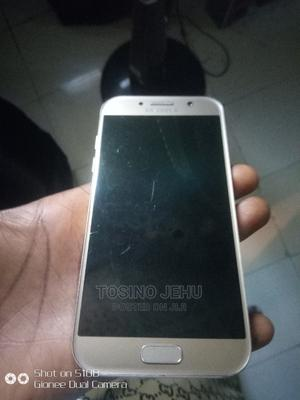 Samsung Galaxy A5 32 GB Gold   Mobile Phones for sale in Abuja (FCT) State, Lugbe District