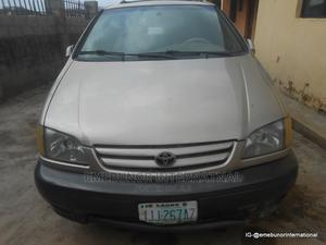 Toyota Sienna 2001 LE Gold | Cars for sale in Abuja (FCT) State, Kubwa