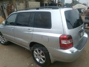 Toyota Highlander 2004 Limited V6 FWD Gray | Cars for sale in Lagos State, Mushin
