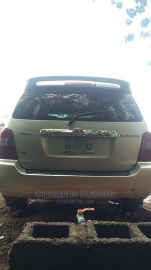 Toyota Highlander 2005 Limited V6 Silver   Cars for sale in Abuja (FCT) State, Karu