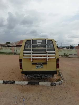 Toyota Hiace Old Model. With a Very Sound Engine | Buses & Microbuses for sale in Abuja (FCT) State, Orozo