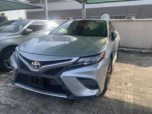 Toyota Camry 2018 SE FWD (2.5L 4cyl 8AM) Silver   Cars for sale in Lagos State, Lekki