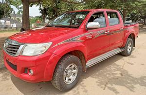 Toyota Hilux 2015 SR 4x4 Red | Cars for sale in Abuja (FCT) State, Wuse