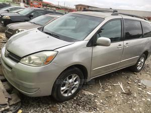 Toyota Sienna 2005 XLE Silver   Cars for sale in Lagos State, Ogba