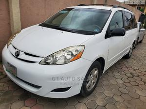 Toyota Sienna 2009 LE White   Cars for sale in Lagos State, Ikeja