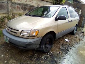 Toyota Sienna 1999 CE Green   Cars for sale in Lagos State, Amuwo-Odofin