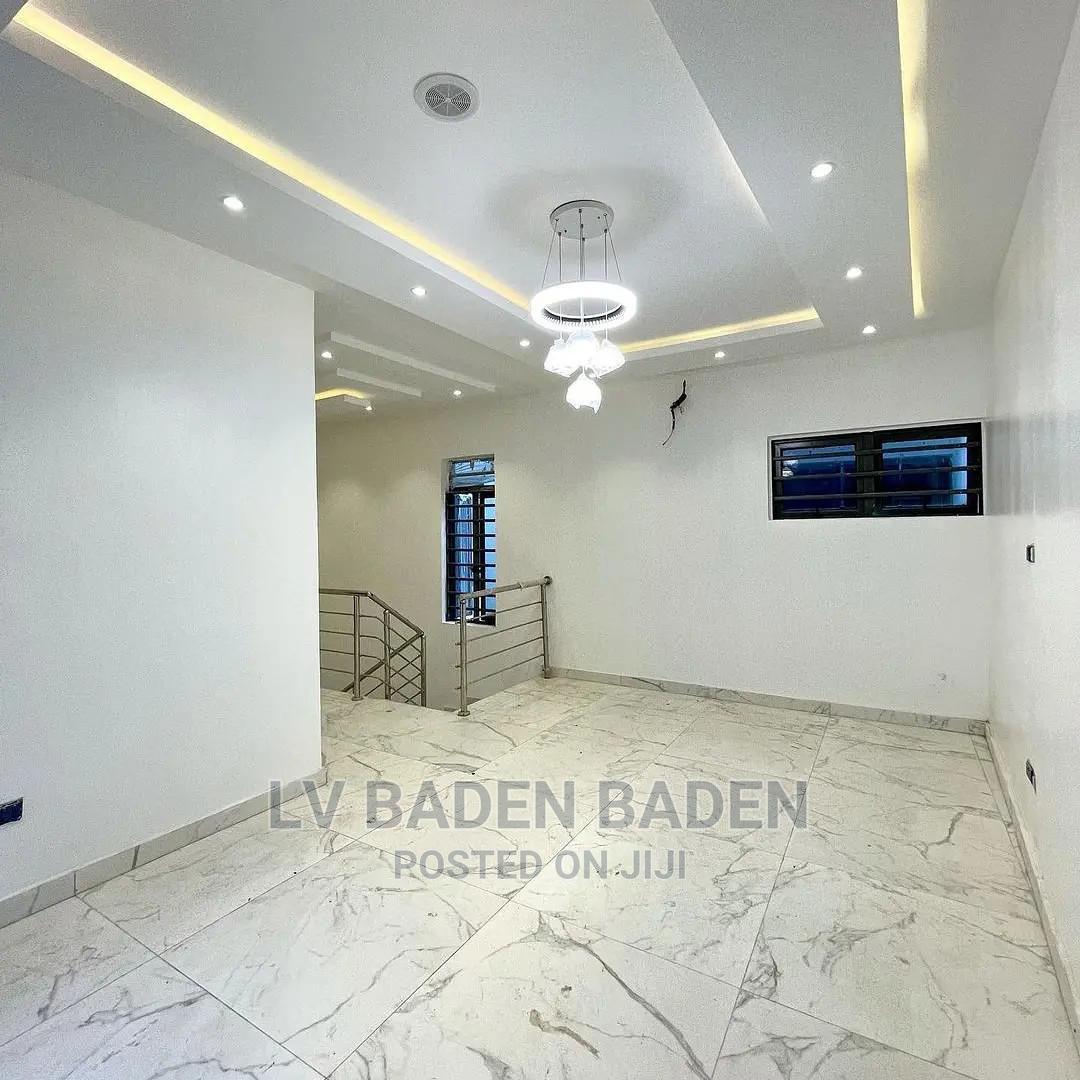 5 Bedroom Duplex In Bakare Estate Agungi For Sale