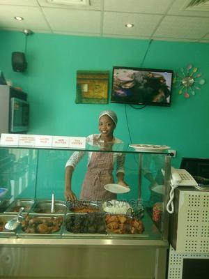 Pro Food And Pastry Chef Wanted   Restaurant & Bar Jobs for sale in Abuja (FCT) State, Gwarinpa