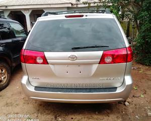 Toyota Sienna 2008 LE Gold | Cars for sale in Lagos State, Mushin
