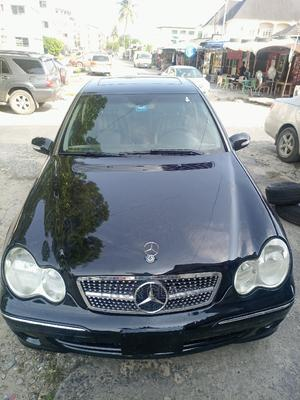 Mercedes-Benz C240 2005 Black | Cars for sale in Lagos State, Amuwo-Odofin