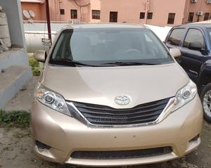 Toyota Sienna 2010 LE 7 Passenger Gold | Cars for sale in Lagos State, Amuwo-Odofin
