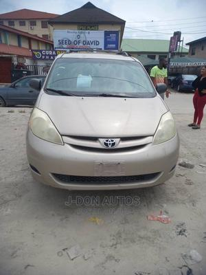 Toyota Sienna 2006 LE AWD Gold   Cars for sale in Lagos State, Ajah