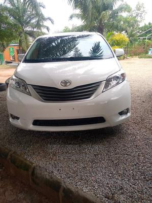 Toyota Sienna 2012 White | Cars for sale in Abuja (FCT) State, Gwarinpa