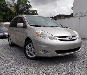 Toyota Sienna 2006 XLE Limited FWD Silver   Cars for sale in Lagos State, Ogudu