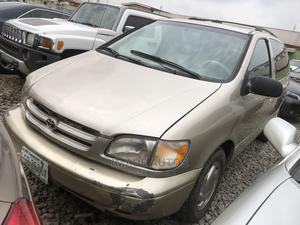 Toyota Sienna 2001 XLE Gold | Cars for sale in Lagos State, Ogba