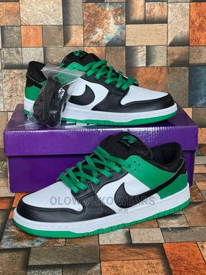"""Nike SB Dunk Low Pro """"Classic Green"""" 