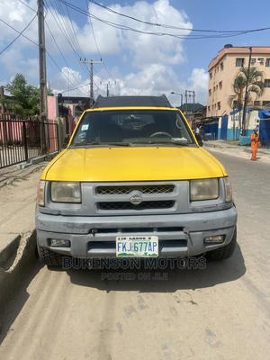 Nissan Xterra 2001 Automatic Yellow | Cars for sale in Lagos State, Surulere