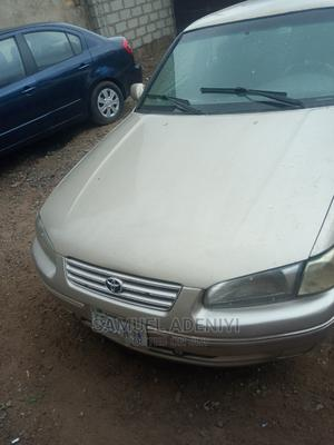 Toyota Camry 1999 Automatic Gold | Cars for sale in Abuja (FCT) State, Kubwa