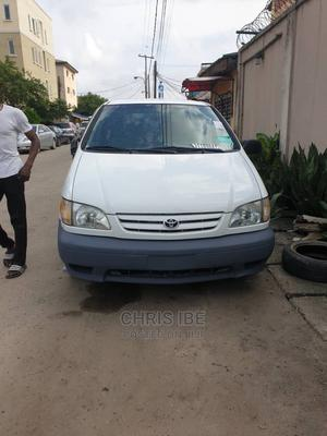 Toyota Sienna 2001 White | Cars for sale in Lagos State, Yaba