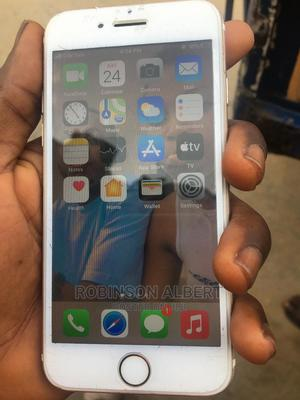 Apple iPhone 7 32 GB Gold   Mobile Phones for sale in Bayelsa State, Yenagoa