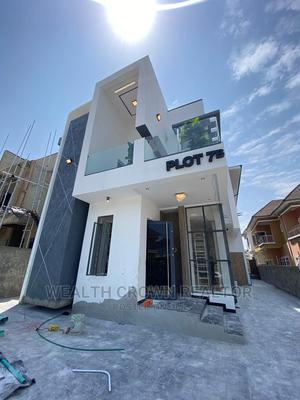5bdrm Duplex in in a Secured Estate, Ologolo for Sale   Houses & Apartments For Sale for sale in Lekki, Ologolo