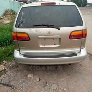 Toyota Sienna 2000 XLE & 1 Hatch Gold   Cars for sale in Lagos State, Agege