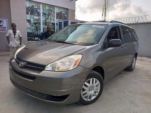 Toyota Sienna 2004 LE FWD (3.3L V6 5A) Gray | Cars for sale in Lagos State, Yaba